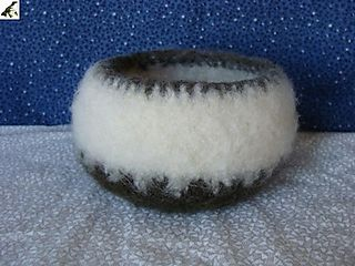 Hurrah craft felted bowl3 from Valeries Gallery Etsy il_430xN_21136302